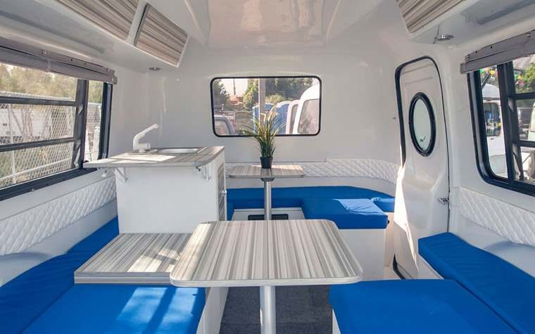 Interior del Happier Camper