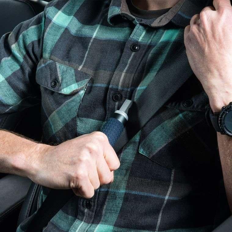 AutoXscape, herramienta para cortar cinturon de seguridad