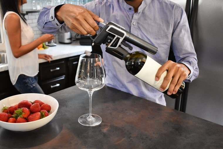 Coravin, un gadget para servir vino sin descorchar la botella