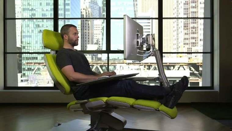 Altwork Station, silla que permite trabajar acostado