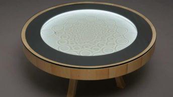 Sisyphus, mesa que crea dibujos en la arena