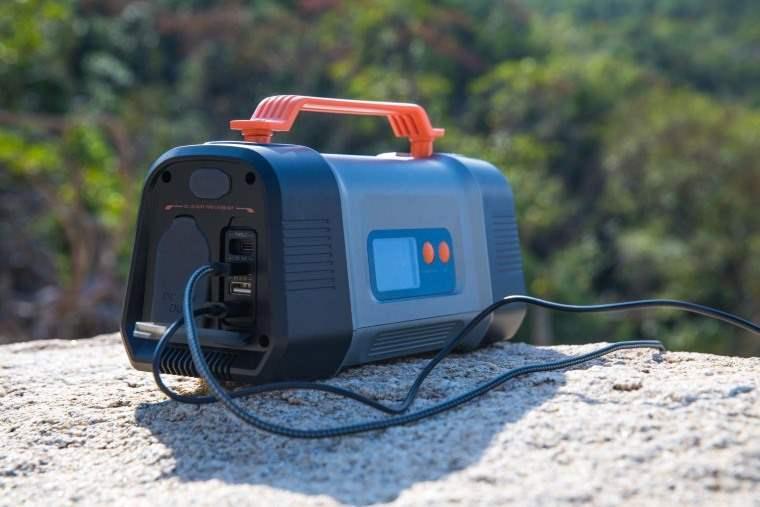 Aiper Flash 150W, estacion de energia portatil para acampar