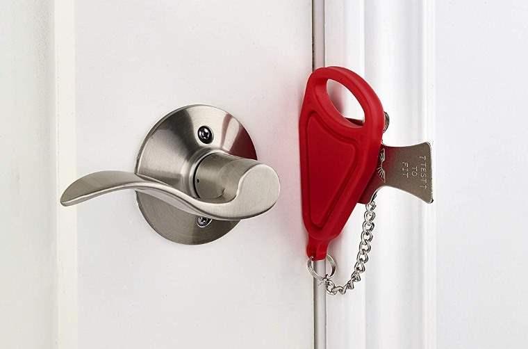 Cerrojo portatil para puertas
