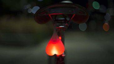 Bike Balls, unas luces para bicicleta que cuelgan debajo del asiento