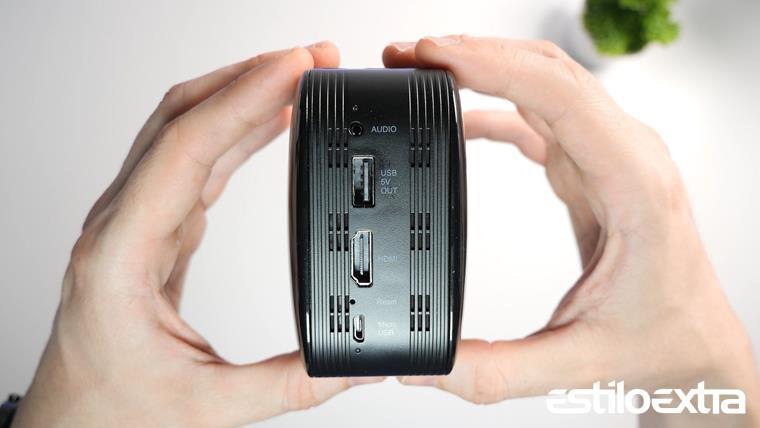 Conexiones del mini proyector